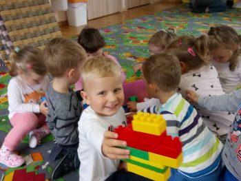 MOTYLKI zabawy w przedszkolu