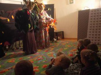 """Teatrzyk 03.10. pt.,, Zapasy wiewiórki Basi"""""""